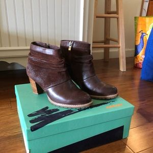 Antelope cognac boots